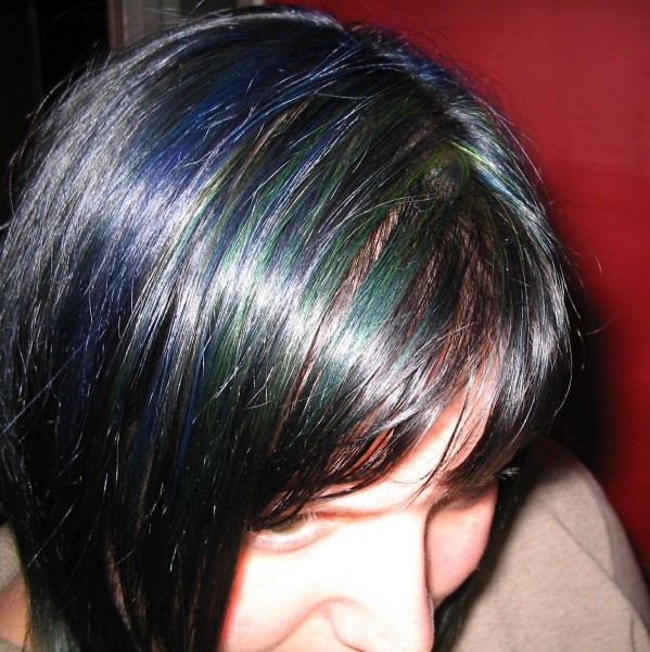 Details: Blue-black base, blue and green streaks w/ touch of yellow,